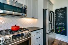 Gallant Court Kitchen Apple Valley (8)